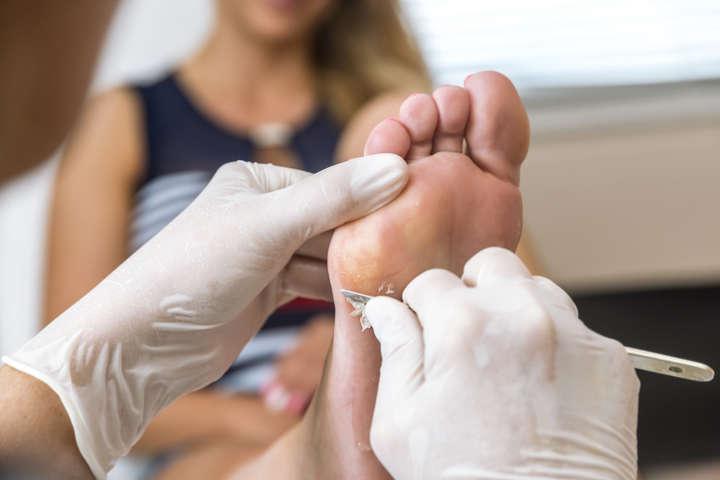 Podología clínica y spa de pies para dos personas (a domicilio)