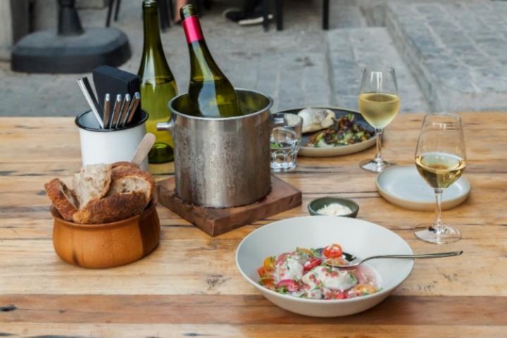 Almuerzo en Polvo Bar de Vinos (para 2 personas)