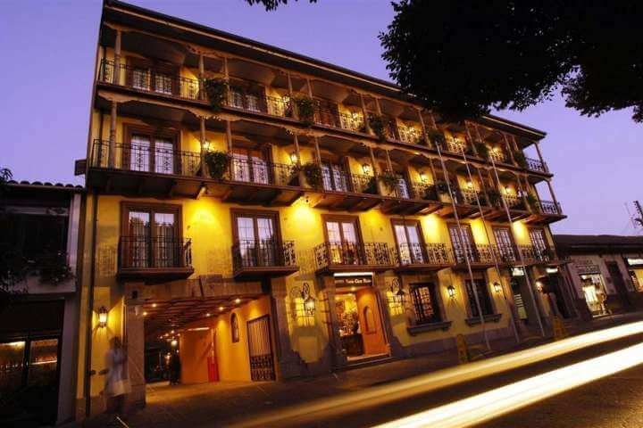 1 noche en Hotel Santa Cruz (para 2 personas)