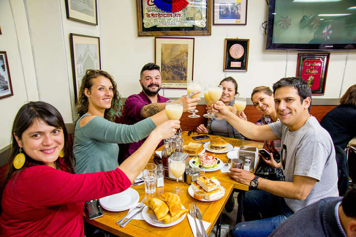Tour Patrimonial Gastronómico en Santiago (para 2 personas)