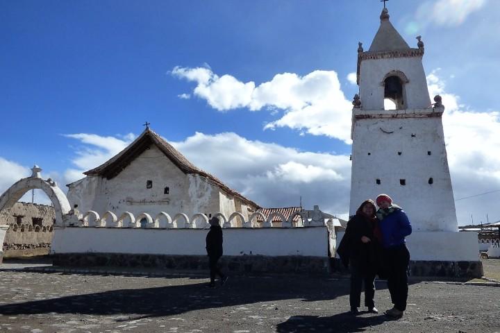 Geysers de Puchuldiza y Parque Nacional Volcán Isluga (para 2 personas)