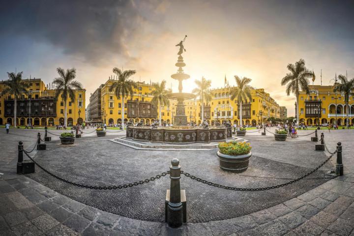 Tour a las islas Ballestas, Ica y sobrevuelo por las líneas de Nazca (desde Lima)