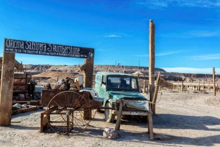 Tour a los pueblos salitreros, los geoglifos de Pintados y el oasis de Pica (para 2 personas)