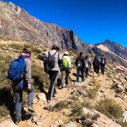 Trekking al volcán San José y relajo en las Termas del Valle de Colina (octubre-mayo)