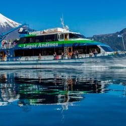 Navegación Lago Todos los Santos y visita a Villa, desde y hasta Puerto Petrohué