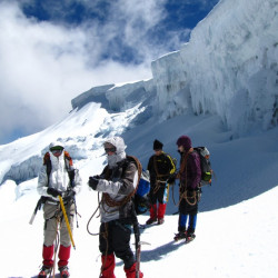 Montañismo por el nevado de Tolima y los termales de Cañón
