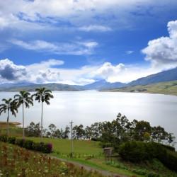 Tour al lago Calima y a la Basílica del Señor de los Milagros de Buga