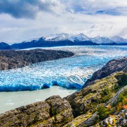Navegación por el lago Grey, en el Parque Nacional Torres del Paine