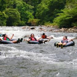 Tubing en el río Don Diego