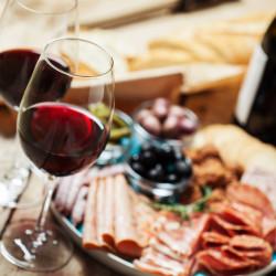 Tour por Viña Emiliana con elaboración de vino